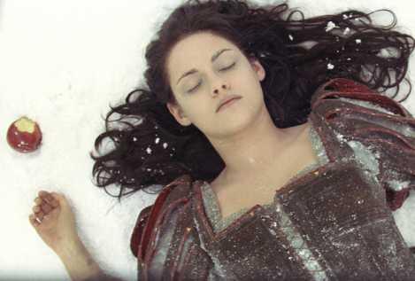 snow-white-and-the-huntsman-movie-image-kristen-stewart