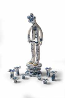 Vipoo Srivilasa, God of Eternity (2012), cobalt pigment on porcelain, image courtesy and copyright the artist