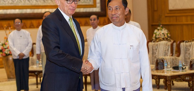 Bob Carr meets Thura Shwe Mann, speaker of the Myanmar parliament. Carr said lifting sanctions on the country was among his most important achievements. Source: Wikimedia