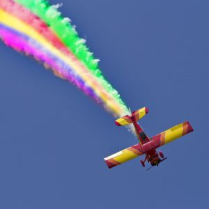 Skywriter stunt shows sky's the limit